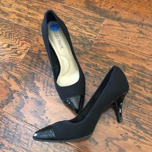 "Ellen Tracy ""Peggy"" Pumps with Patent Leather"
